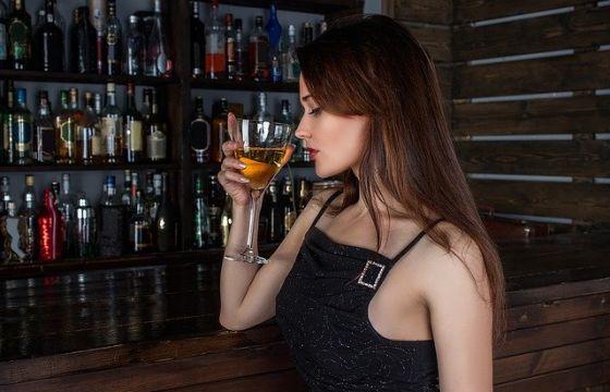 Come liberarsi da consigli di alcolismo
