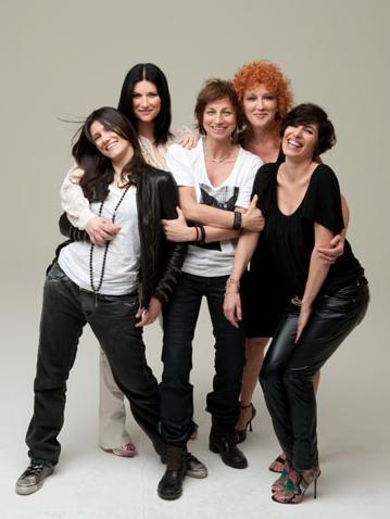Amiche per l'Abruzzo: Elisa, Laura Pausini, Gianna Nannini,  Fiorella Mannoia, Giorgia