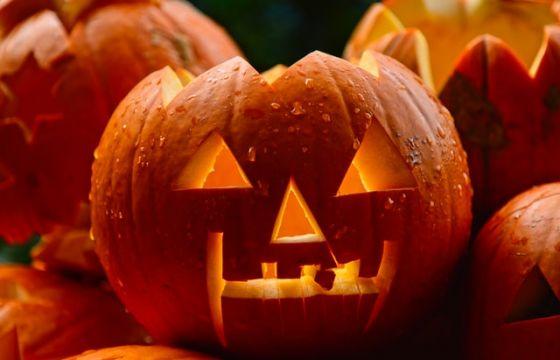 Halloween idee per decorare la tavola - Decorare la tavola per carnevale ...