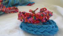 Braccialetti fai da te riciclando costumi da bagno