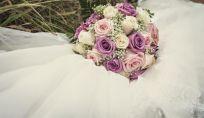 Bouquet da sposa con rose, dal colore al significato