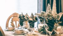 Tavola di Natale elegante. 10 modi diversi per apparecchiarla