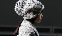 Cappello di lana: outfit e consigli da copiare