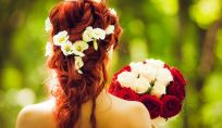 Fiori protagonisti delle vostre nozze ma non per il bouquet