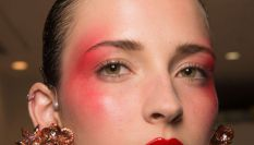Blush bomb: come illuminare il viso con un'esplosione di blush