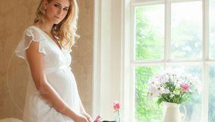 Abiti da sposa per donne in gravidanza, per un Sì davvero speciale!