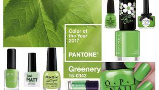 Anche alle unghie piace il greenery!