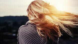 Autunno: cadono e capelli e... che fare?