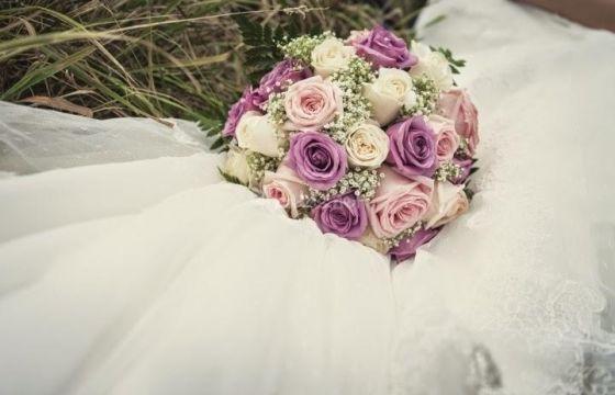 Bouquet Sposa Significato.Bouquet Da Sposa Con Rose Dal Colore Al Significato