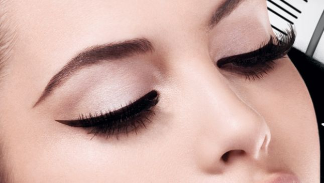Come mettere l'eyeliner in pochissime mosse