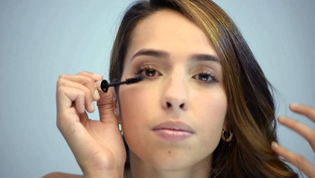 Mascara con fibre: cos'è e come si usa