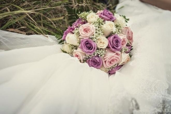 Bouquet Sposa Con Rose.Bouquet Da Sposa Con Rose Dal Colore Al Significato