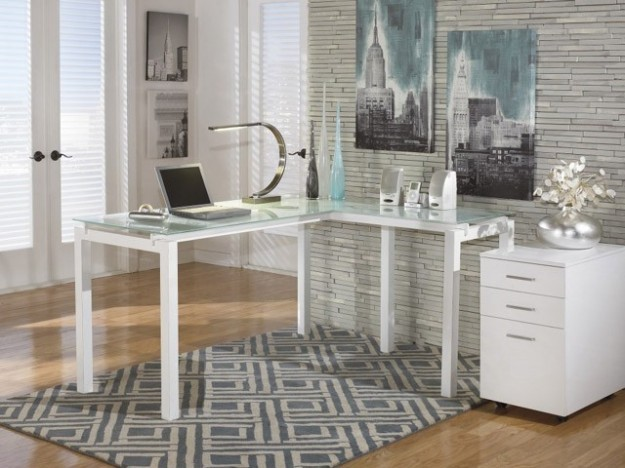 Idee Cucina Ufficio : Usare una scrivania angolare e delimitare la ...