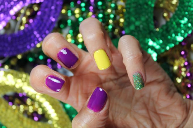 Nail art di Carnevale
