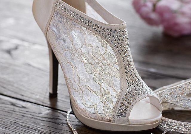 Scarpe da sposa, per aiutarvi a compiere il passo giusto!