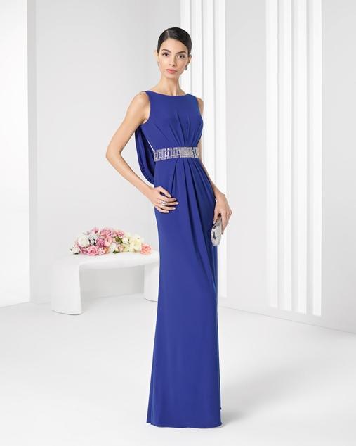 0671043015af Vestito blu lungo e scivolato per la testimone di nozze