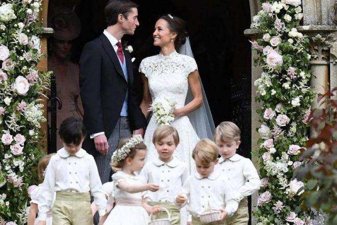Inghilterra, il principino George sgridato durante il matrimonio della sorella di Kate
