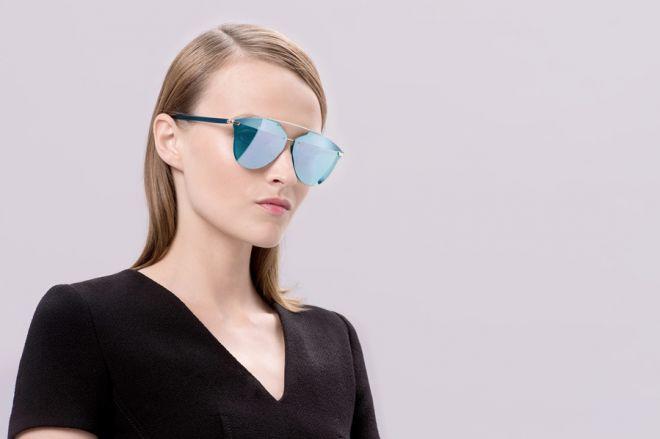 Occhiali da sole specchiati 2017: gli accessori colorati dell'estate