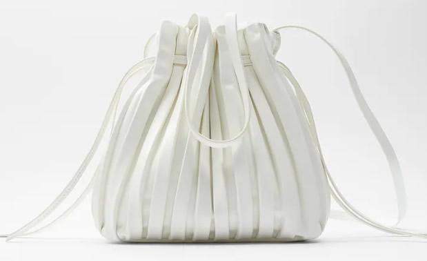 Zara, secchiello plissé