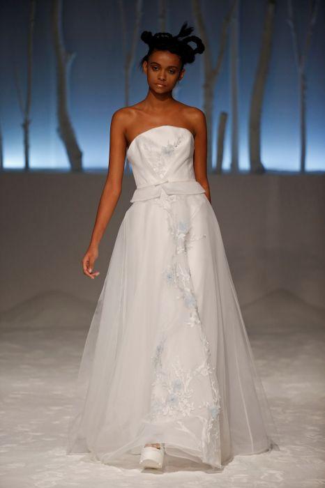 Matrimonio Colore Azzurro : Foto abiti da sposa colore azzurro