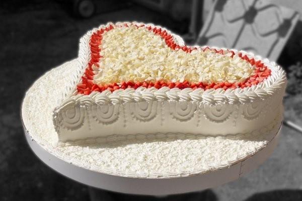 Foto torte nuziali forma cuore for Piani di progettazione domestica con foto