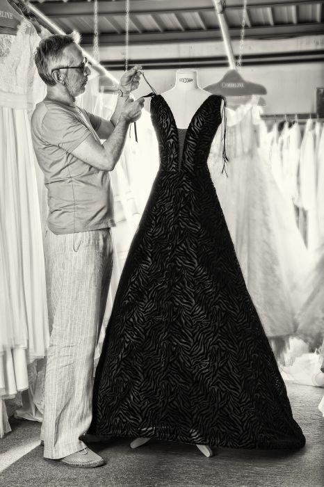 Matrimonio In Abito Nero : Foto abiti da sposa colore nero